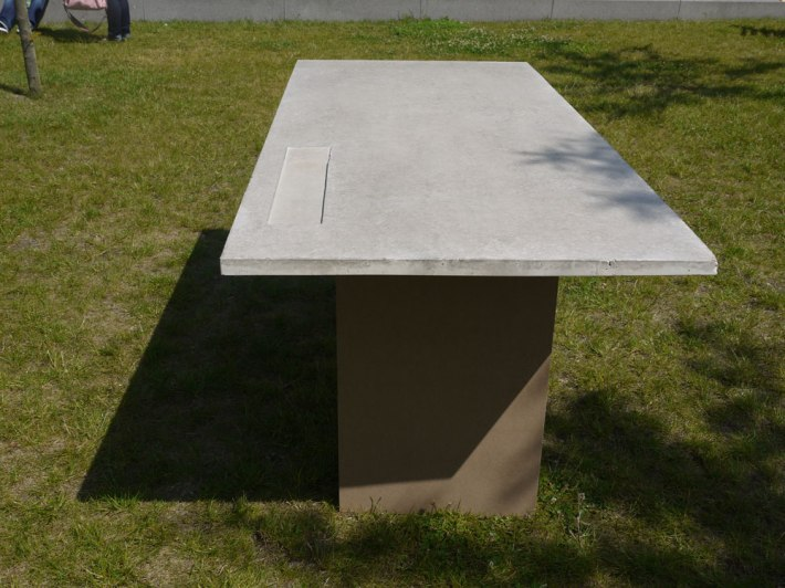 Concretable-07