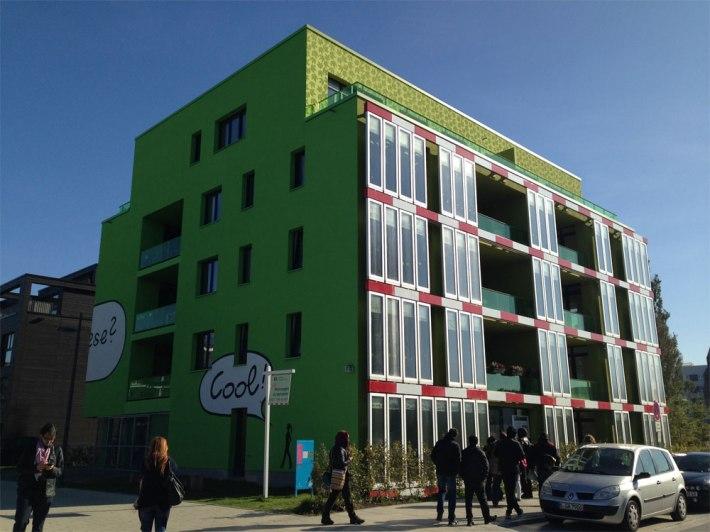 Algea-building-01